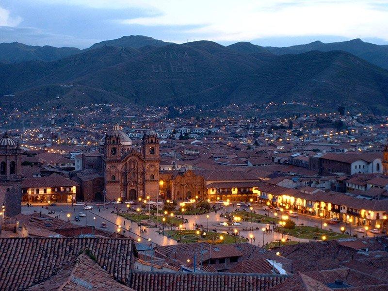 50 curiosities about Peru, Plaza de Armas
